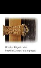 Antiek geb. met gouden slot mi19 gs31