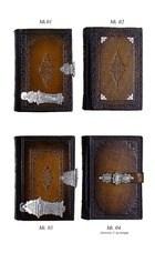 Antiek geb. met zilveren slot
